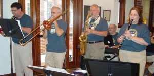 Dixie Rhythm Kings performs at The Rockwood Senior Living in Webster Groves