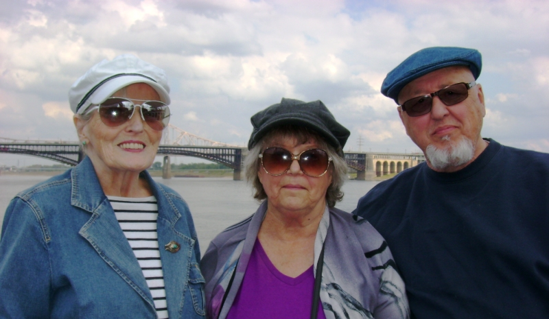 Rockwood Residents of St. Louis Cruise Along the Mississippi