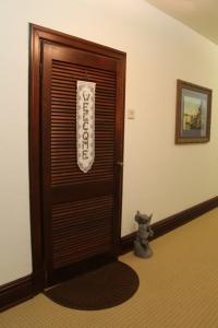 Apartment.entry.x.jpg
